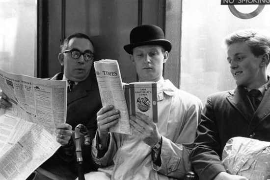 Reading-on-tube-1960-017
